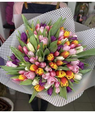 """Букет """"Весеннее настроение"""" из 101 тюльпана"""