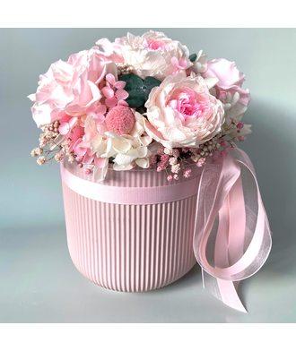 Розовое кашпо (стаб. цветы)