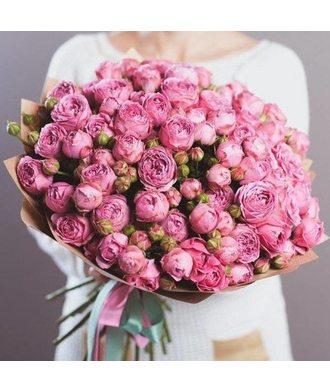 Букет 25 пионовидных кустовых роз