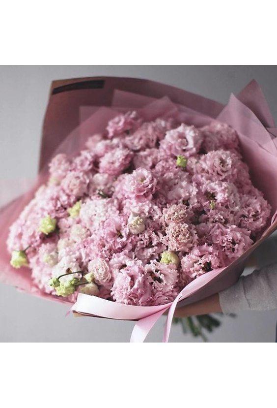 101 ветка розовой эустомы с упаковкой