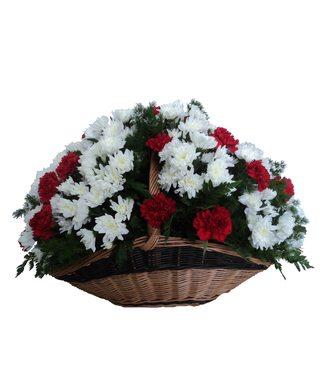 Корзина гвоздик и хризантем