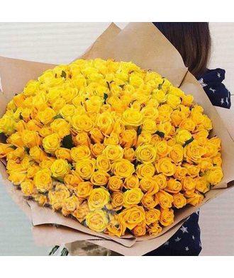 151 желтая роза в крафте