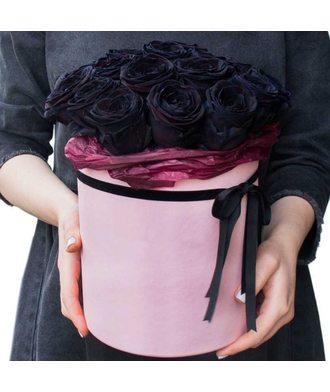 15 чёрных роз в коробке