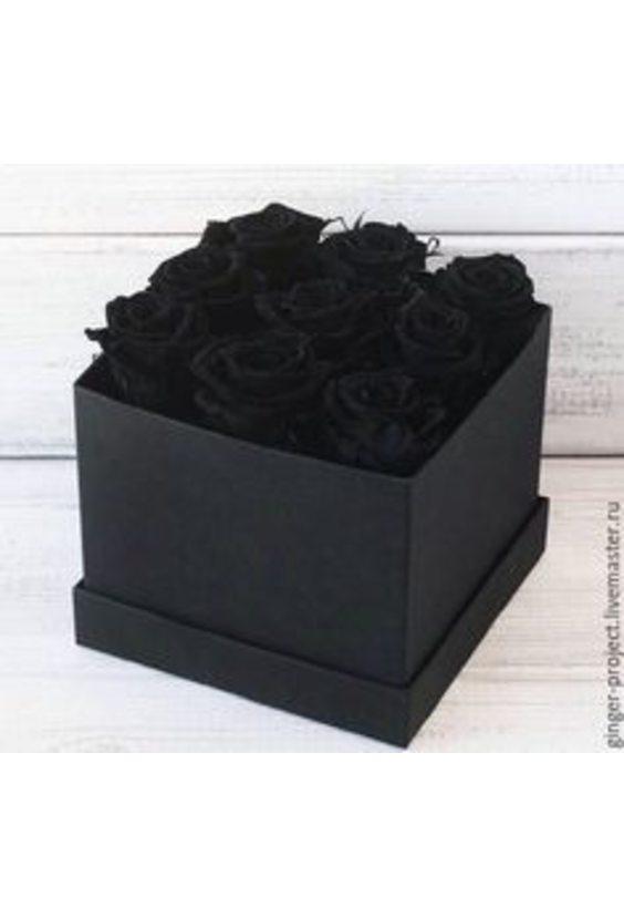 9 чёрных роз в коробке