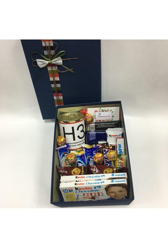 Коробка «Сладкому защитнику»
