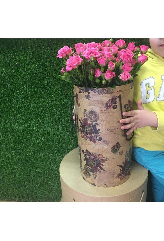 Коробка цилиндр с кустовыми розами