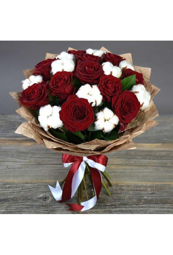 Букет с хлопком и розами