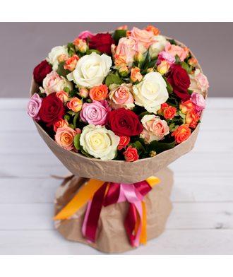 Букет с розами «Переливы красок»