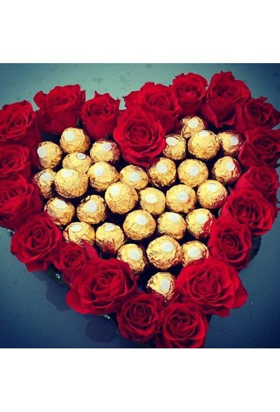 Сердце с конфетами Ferrero Rocher