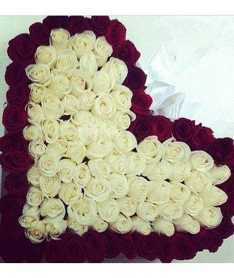 Сердце из 111 роз