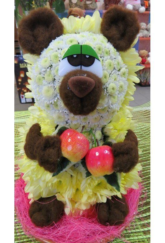 Грустный медведь из цветов
