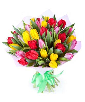 """Букет из 35 тюльпанов """"Яркая весна"""""""