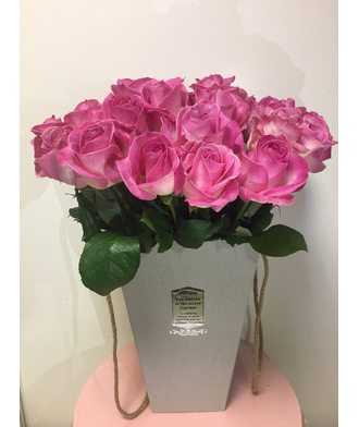 25 роз в коробке-сумке