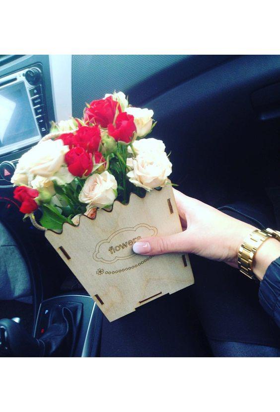 Деревянная коробочка с розами