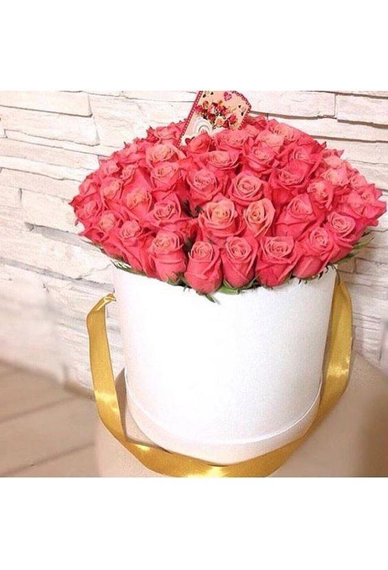 "Розы ""ВаУ"" в шляпной Коробке"